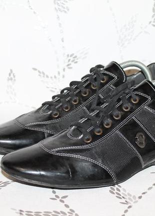 Стильные кожаные кроссовки 41 размер
