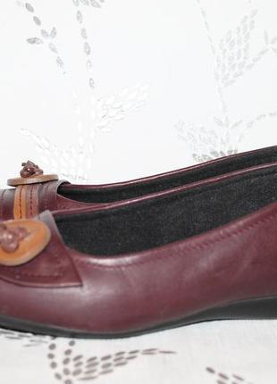 Комфортные кожаные туфли/балетки от clarks 38 размер