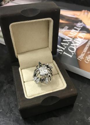 Серебряное кольцо с камнями. 925