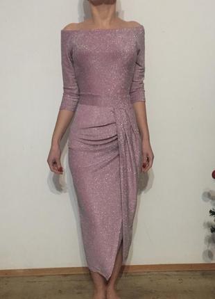 Платье в блестках