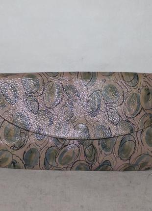 Красивая кожаная сумка клатч