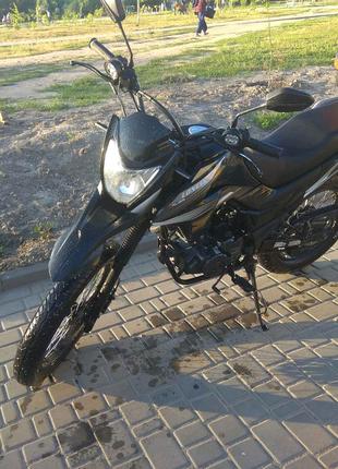 Продам мотоцикл loncin pruss 200