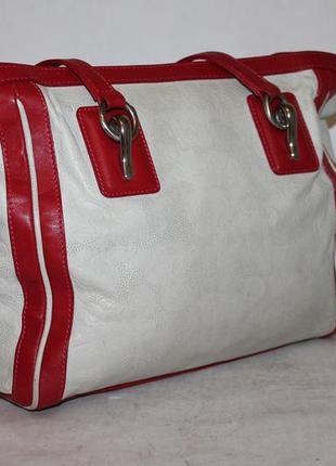 Прекрасная кожаная сумка на лето с перфорированным рисунком