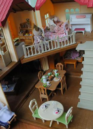 Дом sylvanian families с мебелью