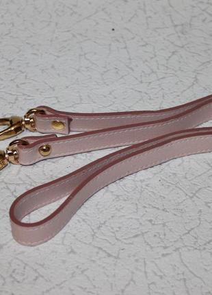Кожаный плечевой ремень на сумку цвета пудры,кожа саффиано