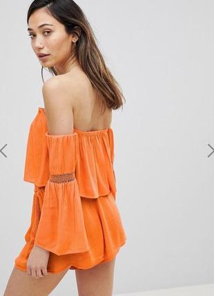 Оранжевый летний, пляжный костюм с шортами, с открытыми плечами