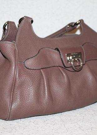 Оригинальная кожаная сумка salvatore ferragamo