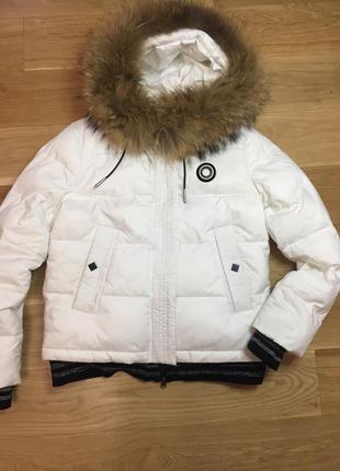 Зимняя тёплая куртка пуховик натуральный мех белая