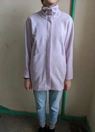 Шерстяное пальто лавандового цвета