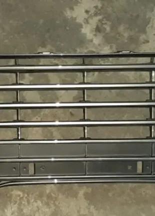 Toyota Camry 70 Решетка бампера 53113-33110