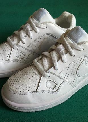 Мега стильные кожаные кроссовки nike 👟 размер 31-31,5  оригина...
