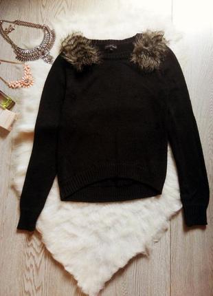 Черный вязаный свитер кроп длинный рукав с мехом на плечах коф...