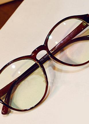 Очки с прозрачной линзой 462н