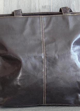 Легкая и комфортная сумка через плечо