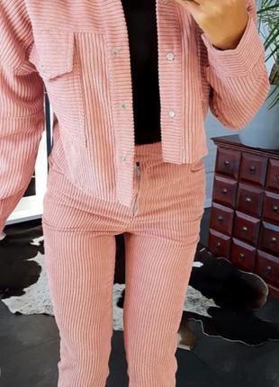 Комплект: брюки и вельветовая куртка-oversize бежевого цвета