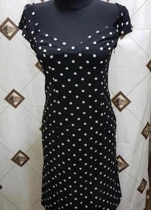 Романтичное чёрное платье в горох