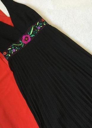 Платье миди вечернее нарядное коктейльное гофре плиссе с вышив...