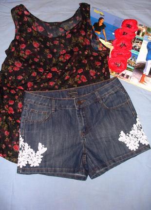 Женские шорты джинсовые размер 46 / 12 короткие с кружевом лет...
