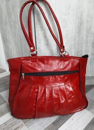 Кожаная вместительная сумка