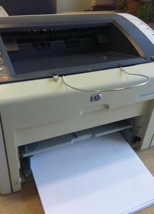 Лазерный принтер HP LaserJet 1022, рабочий, б/у