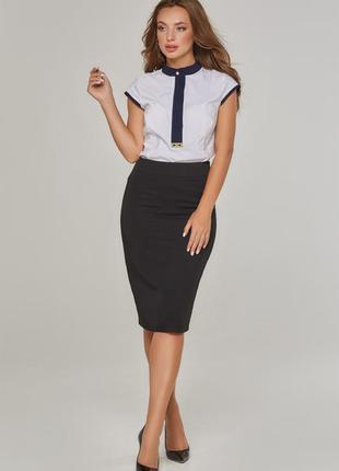 Женская однотонная юбка черная