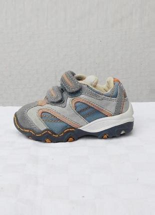 Замшевые спортивные кроссовки  для малыша  chicco