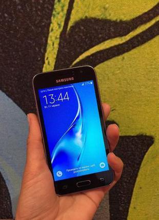 Смартфон Samsung Galaxy J1 (2016) (J120H) Black