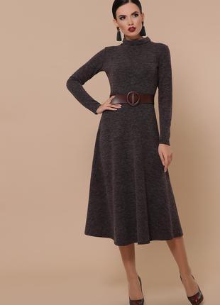 Закрытое теплое платье