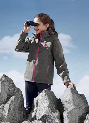 Дитяча всесезонна (зимово-осіння) курточка німецької фірми cri...