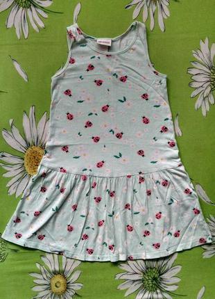 Нежно-салатовое платье для девочки 5-6 лет