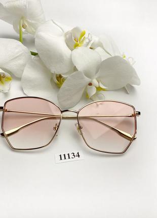 Имиджевые очки в золотистой оправе 11134