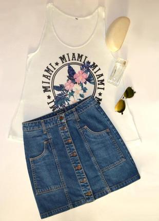 Модная джинсовая юбка с завышенной талией