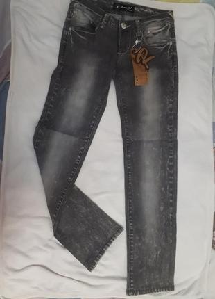 Новые джинсы 27 размер
