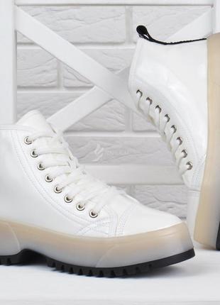 Ботинки женские на платформе martens стиль белые на шнуровке л...