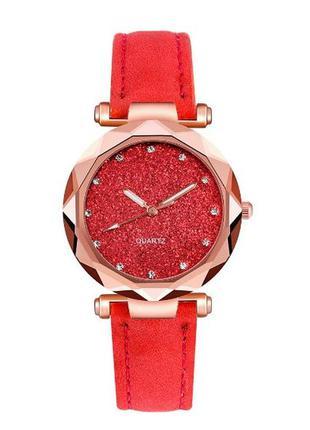 Стильные женские наручные часы красного цвета