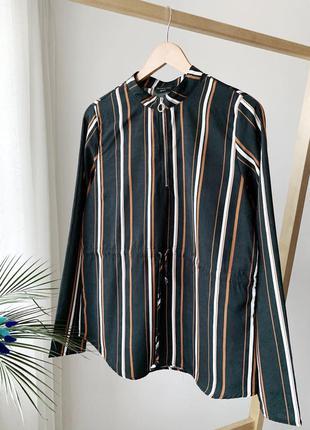 Чорну блузка в полоску