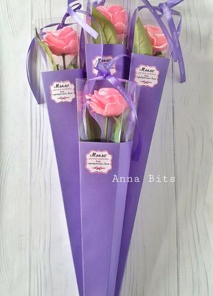 Розы в подарочной упаковке