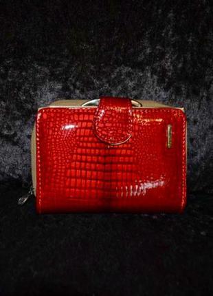 Лаковый кожаный кошелёк натуральная кожа качество