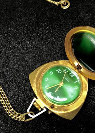 Женские механические часы кулон заря ссср
