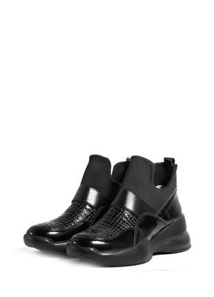 Женские демисезонные кожаные кроссовки лаковые без шнурков сти...
