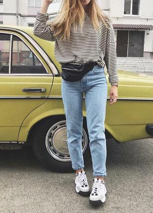 Идеальные голубые джинсы мом с высокой посадкой укороченные пл...