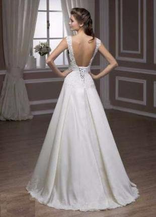 Белое свадебное платье кружевное а-силуэт s m салонное (не китай)