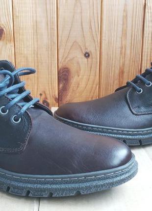 Стильные кожаные новые ботинки on foot испания