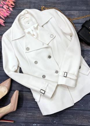 Белое короткое пальто mark&spencer размер м