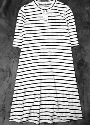 Uniqlo трикотажное платье свободного трапециевидного кроя