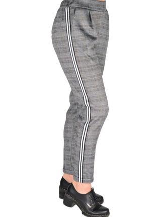Офисные и повседневные модные брюки женские в клетку