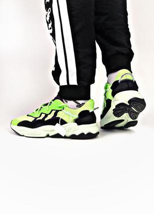 Мужские салатовые кроссовки adidas ozweego