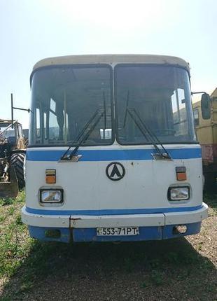 Автобус пасажирський ЛАЗ 695