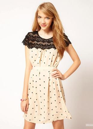Короткое платье в горох с кружевом darling