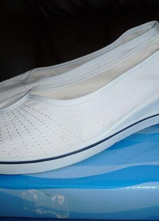 Летние туфли-лодочки на платформе 39р. белого цвета